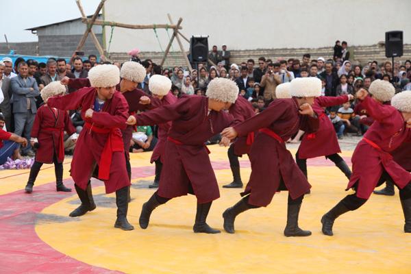 ذکرخنجر؛ نمایش قوم ترکمن