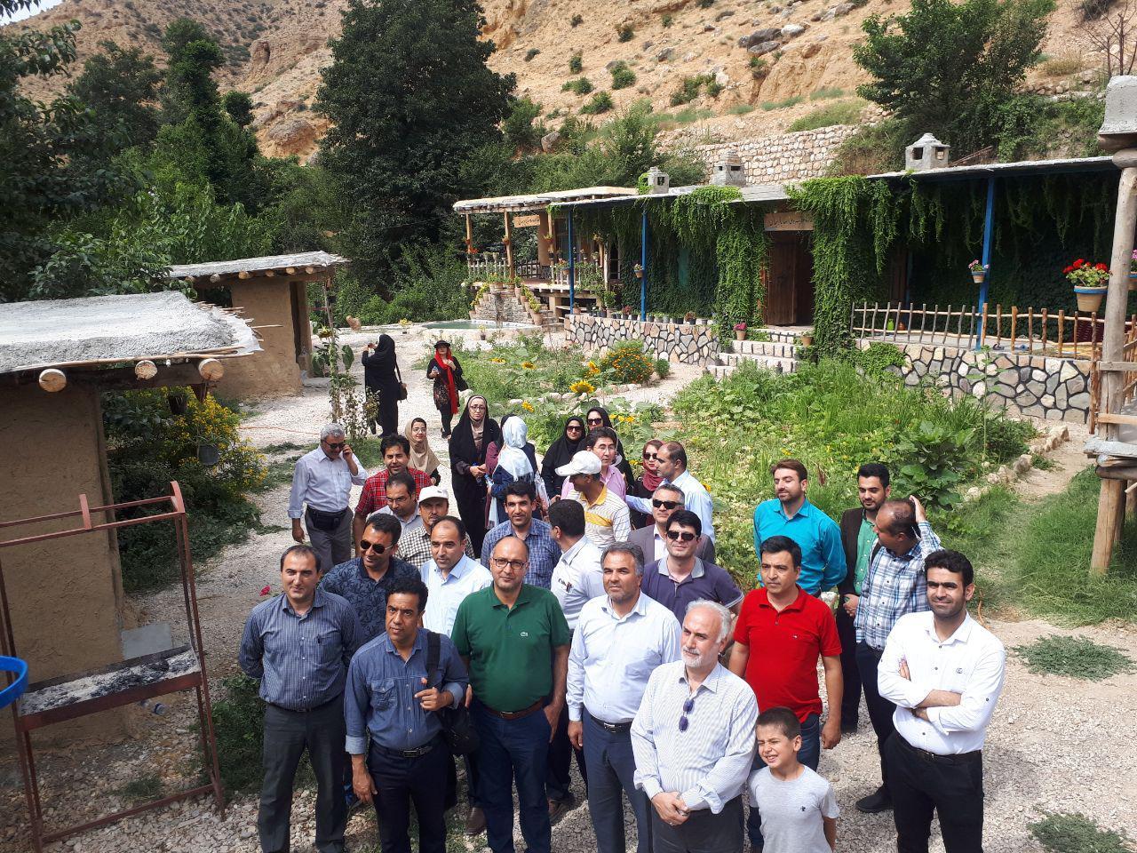 تصاویری از استقبال مسافران و گردشگران از اقامتگاه های بومگردی استان گلستان