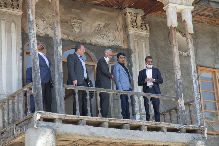بازدید مدیرعامل صندوق احیا و بهرهبرداری از اماکن تاریخی کشور از بناهای بافت تاریخی گرگان
