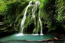 کلیپ زیبایی از آبشار زیباو خزه ای کبودوال علی آباد کتول
